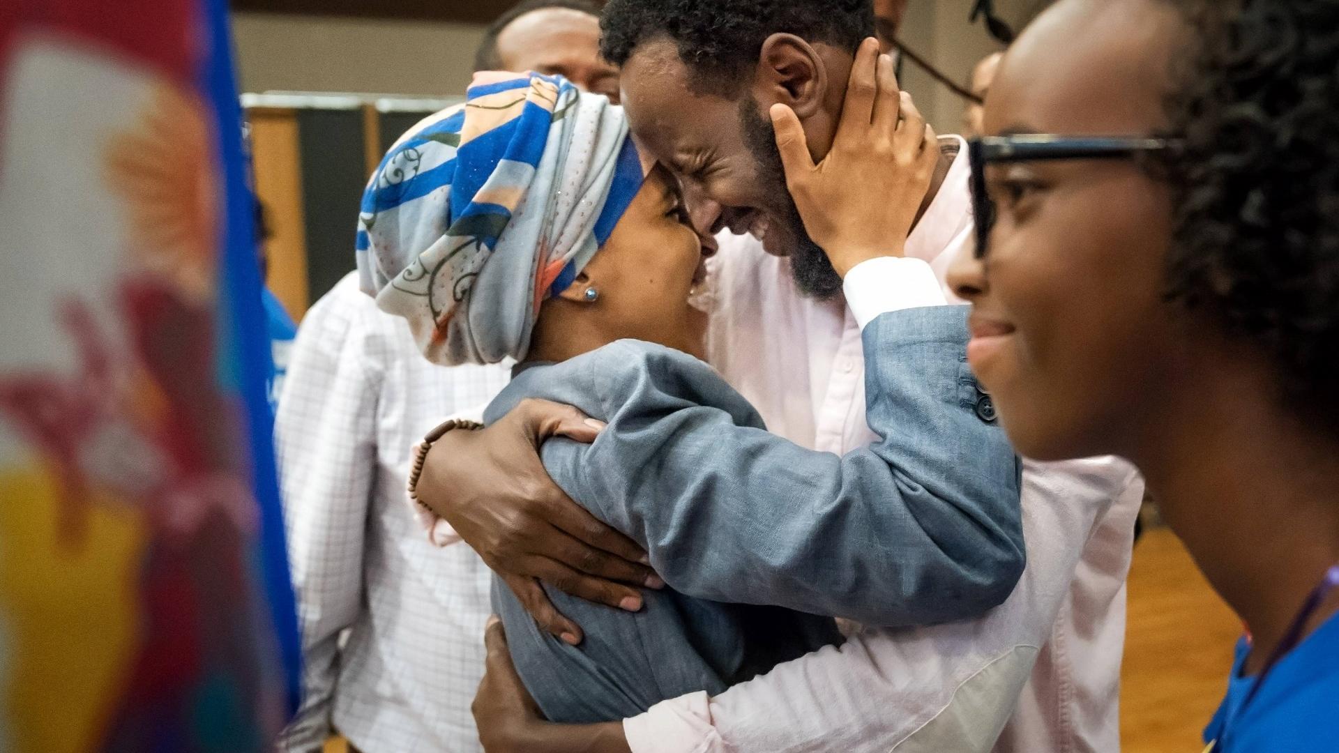Isra Hirsi mit familie