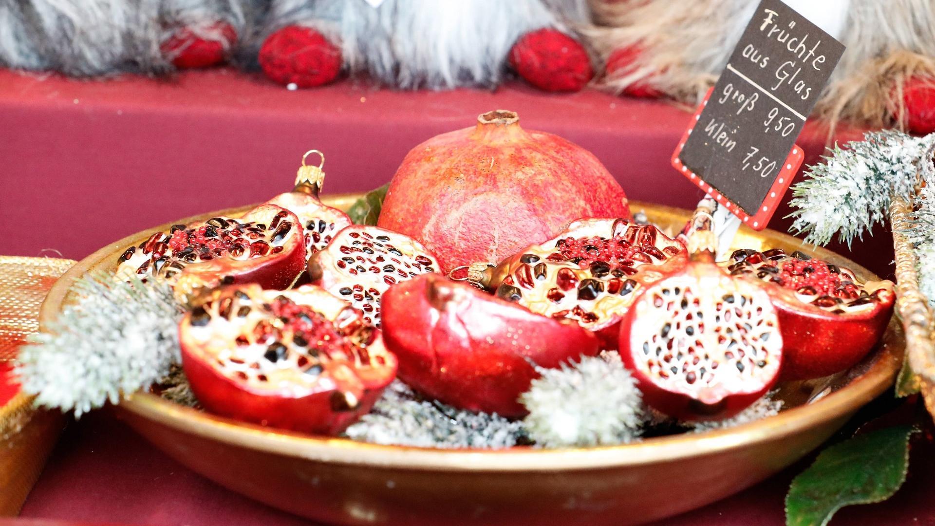 Granatäpfel auf dem Nürnberger Weihnachtsmarkt