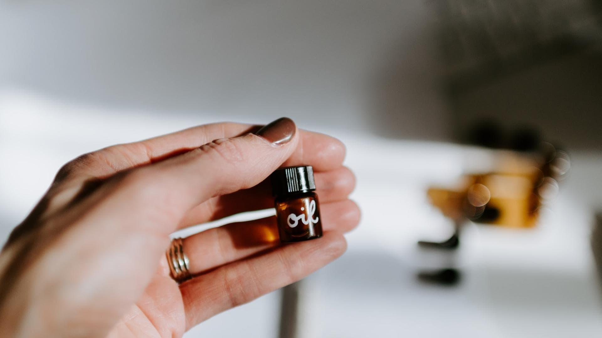 kleine Ölampulle, Öl für Haut und Haare