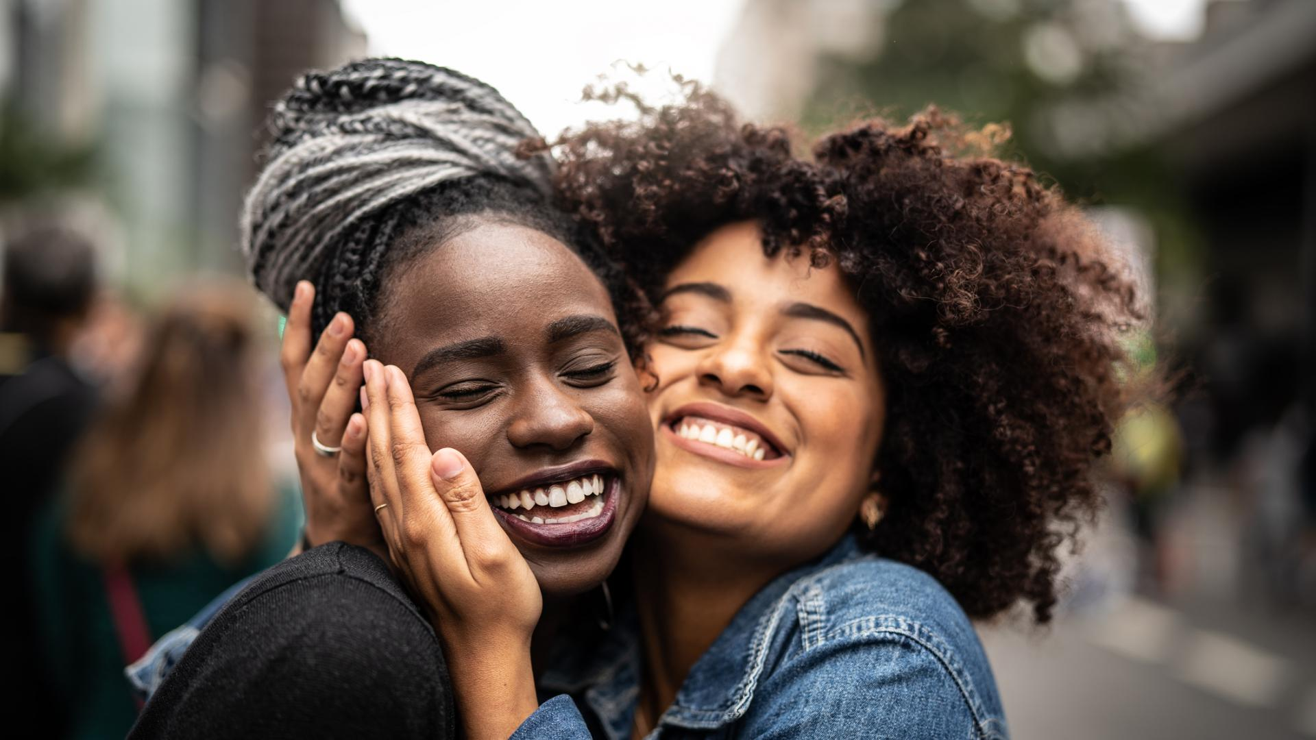Freundschaft, Freundinnen, diversity, schwarze Frauen