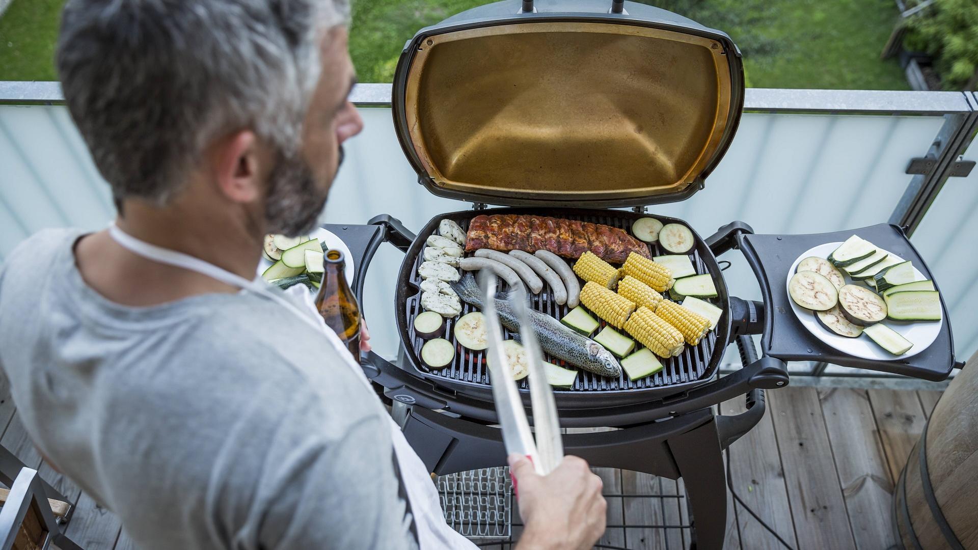 Grillen Balkon barbecue