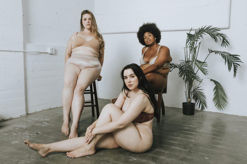 Frauen, die für Body Positivity einstehen