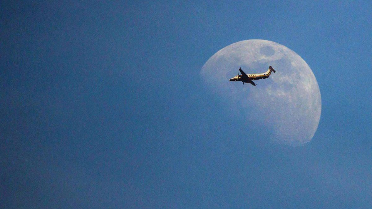 Flugzeug flughafen urlaub sonne reisen fliegen
