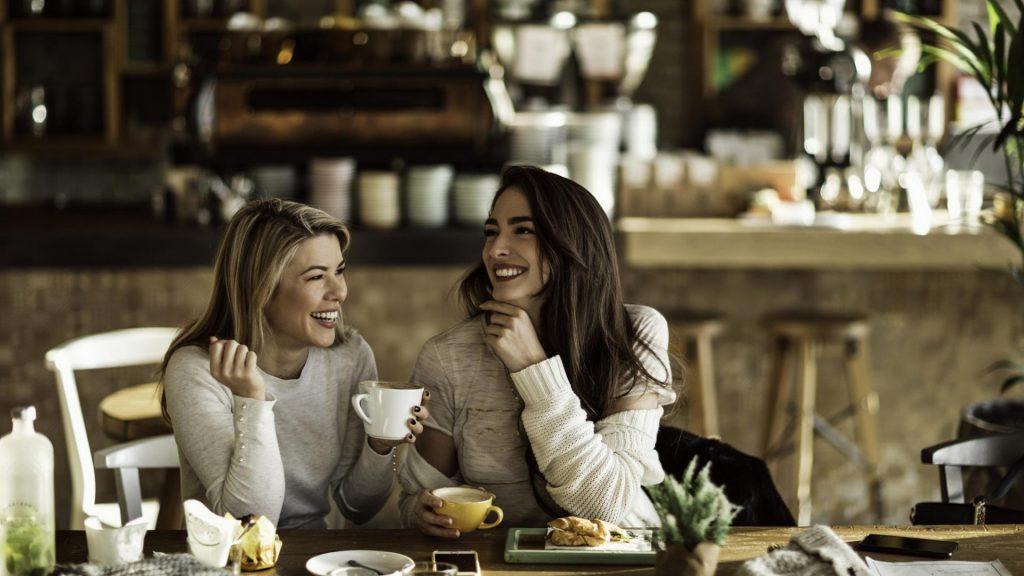 Frauen Restaurant Reden heimlich verliebt