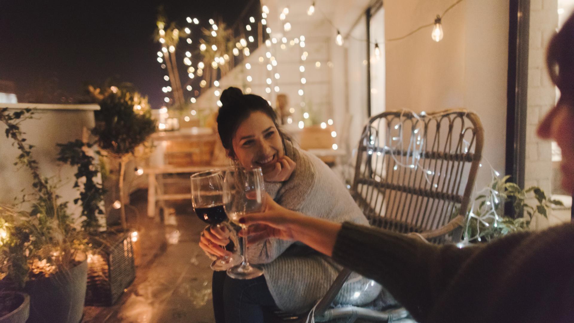 Freundinnen, Wein, Balkon