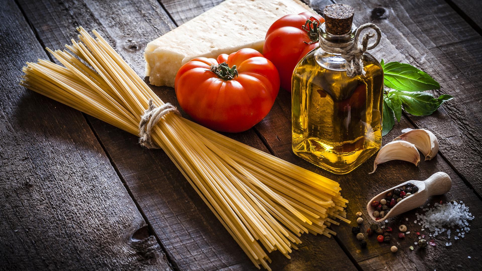 Spaghetti Pasta Öl Tomate Käse