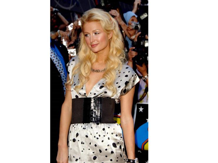 2000er Mode, Modesünden, Paris Hilton, Gürtel