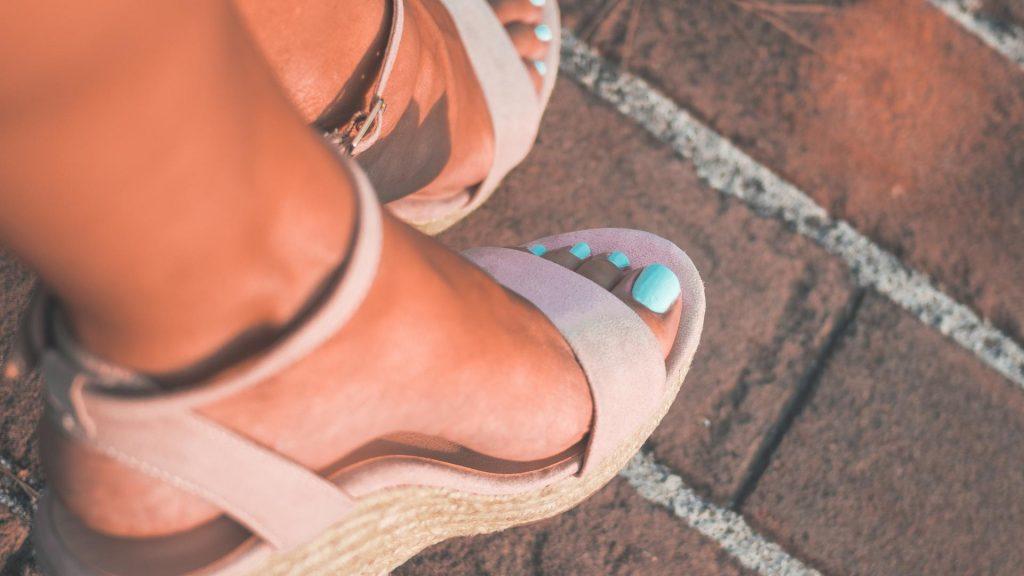 Füße lackiert