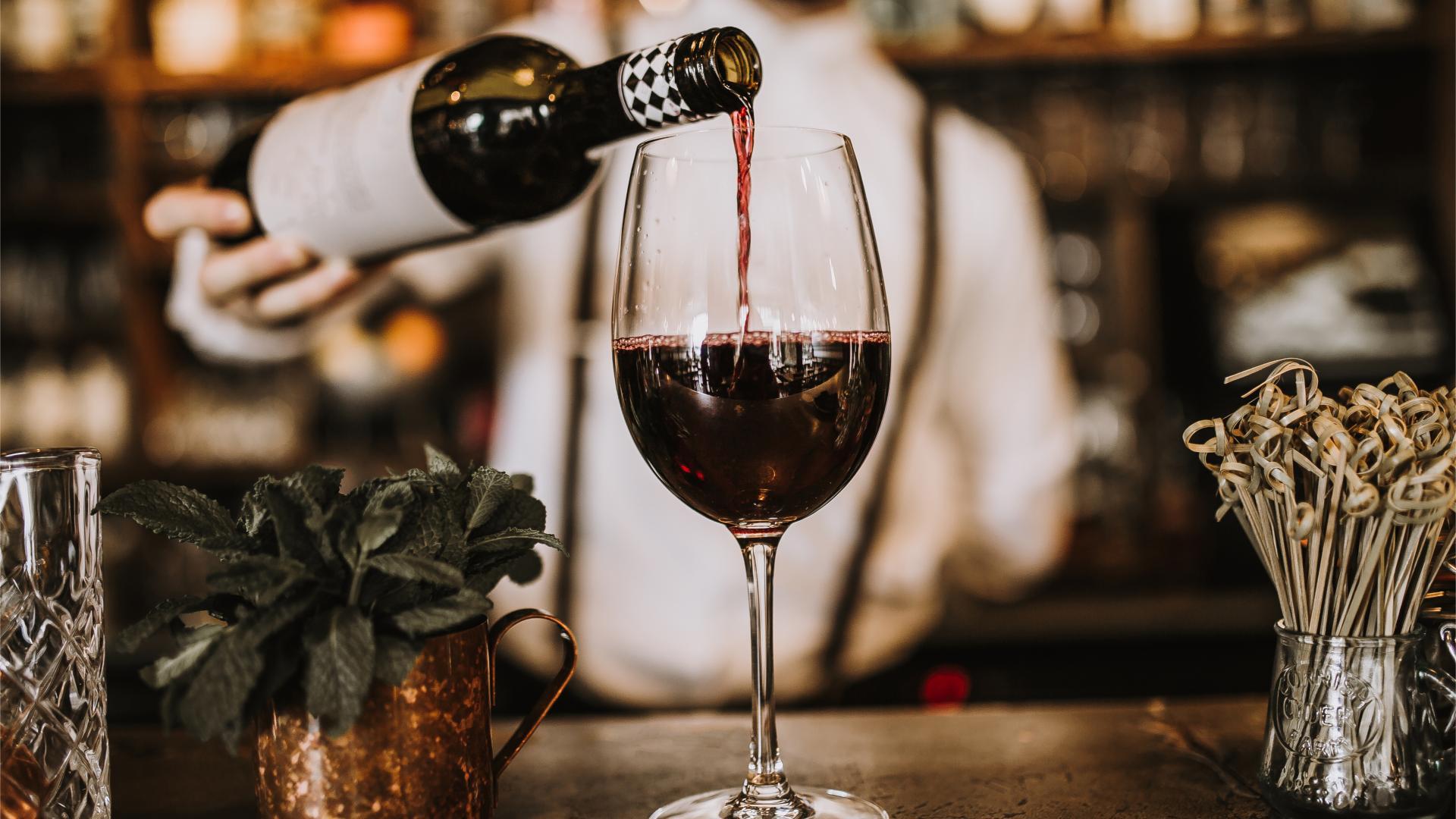 Alkohol: Das Gehirn schrumpft