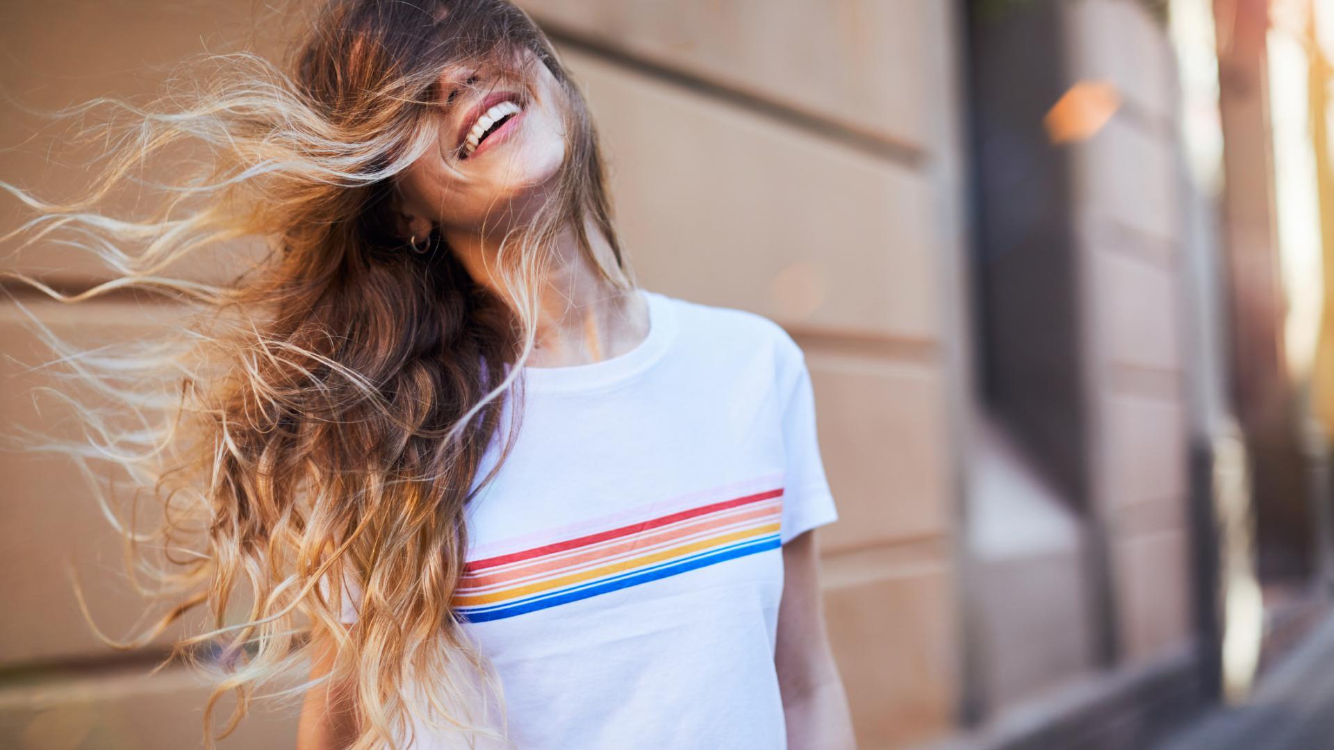 Ansatz rauswachsen lassen haare hipster frau