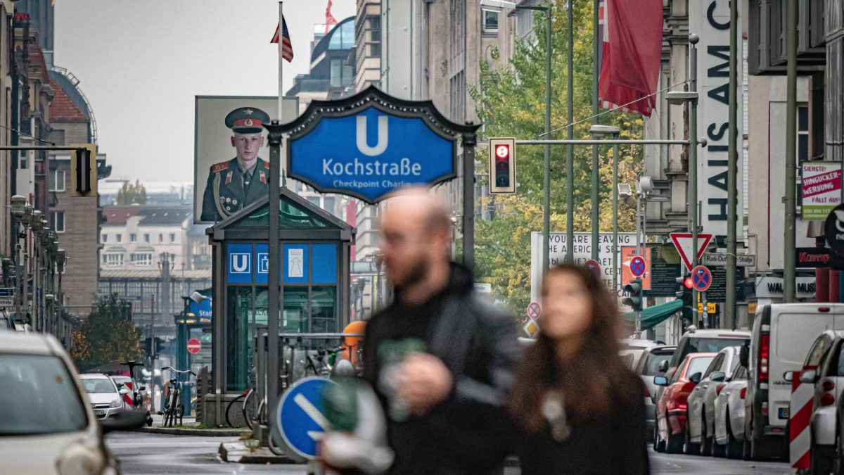 Berlin Kreuzberg, corona wochenende stadt paar