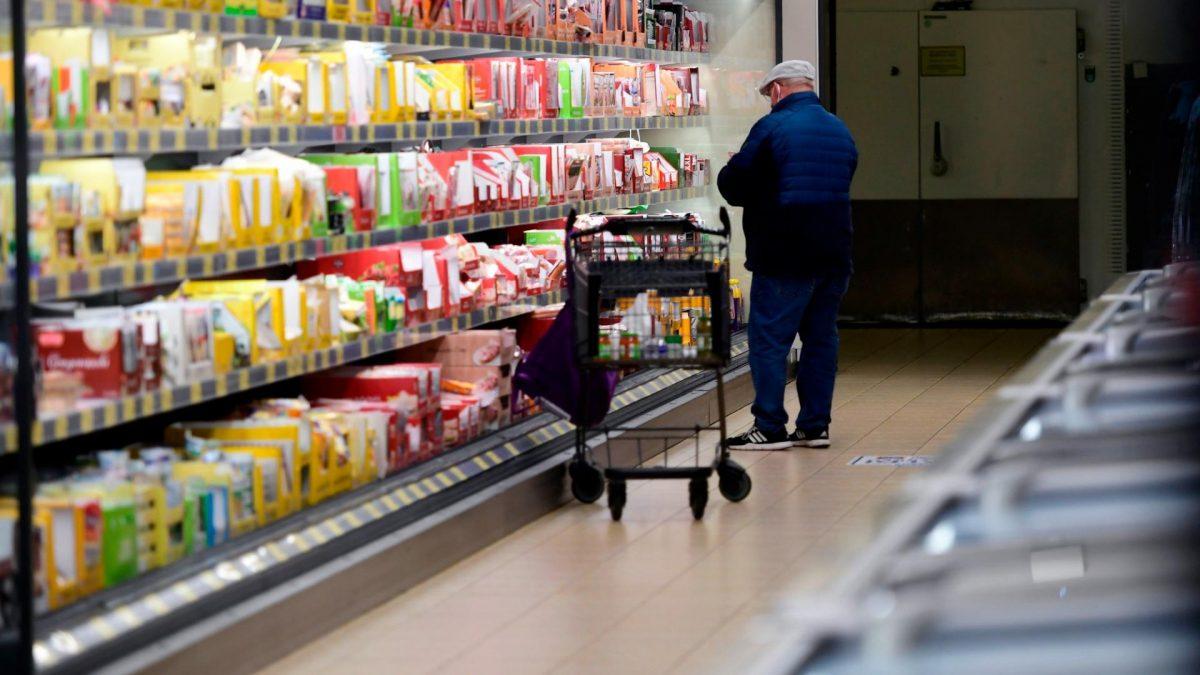 Einkaufen im Discounter Aldi