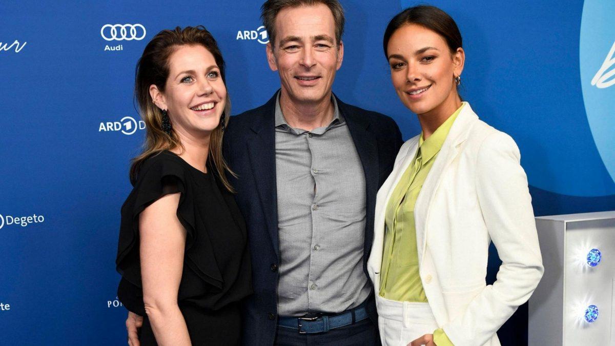 Felicitas Woll, Jan Sosniok und Janina Uhse bei der ARD Blue Hour im Rahmen der Berlinale 2020 / 70. Internationale Film