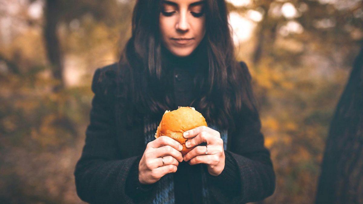 Frau Burger Unentschlossen