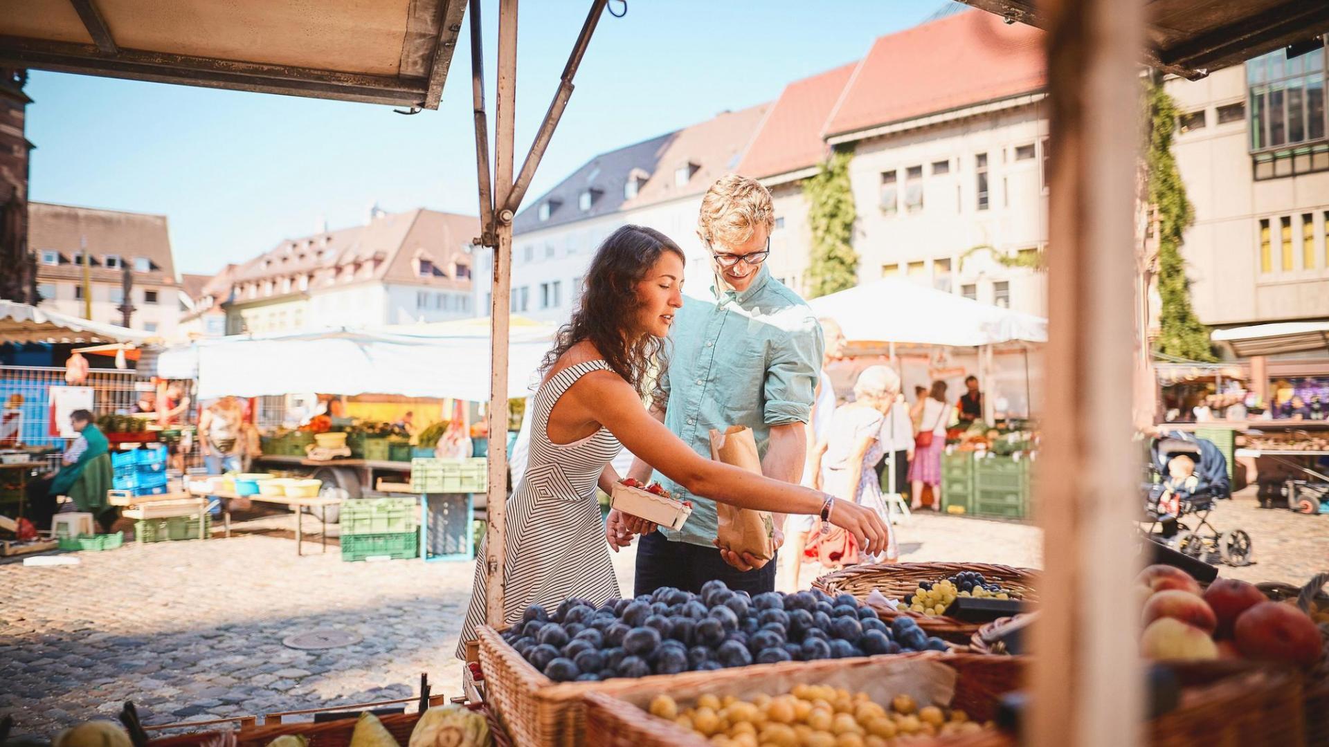 Frau Einkaufen Markt