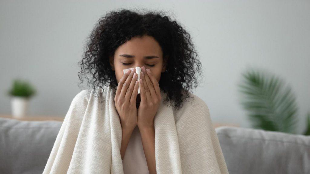 Frau, Erkältung