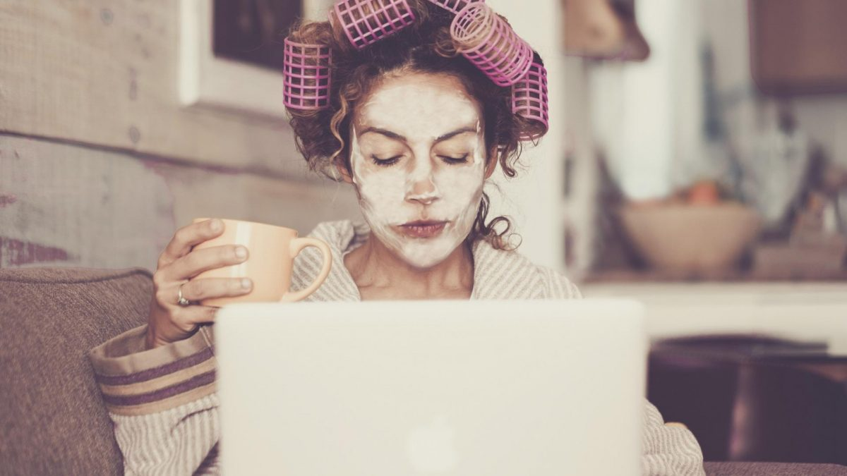 Frau Kaffee Laptop