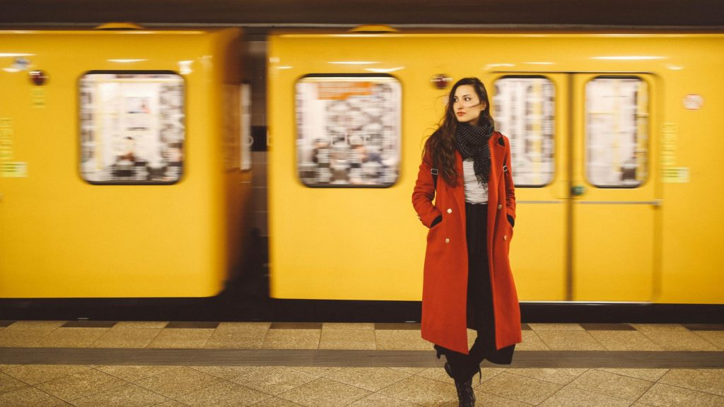 Frau Metro SBahn Zug