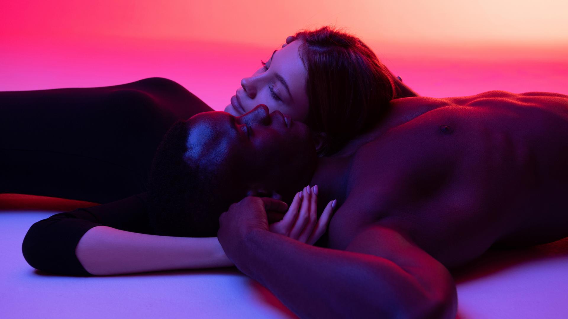 Frau und Mann Sex Buddys verliebt beziehung intim