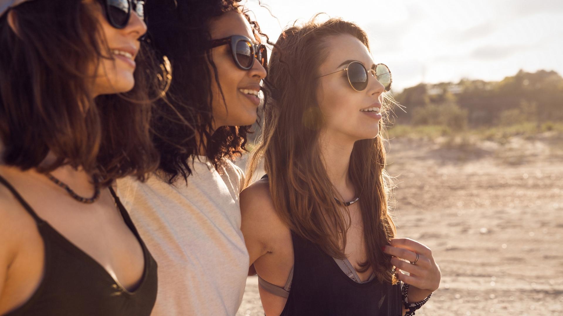 Frauen, Freundschaft, Sonne