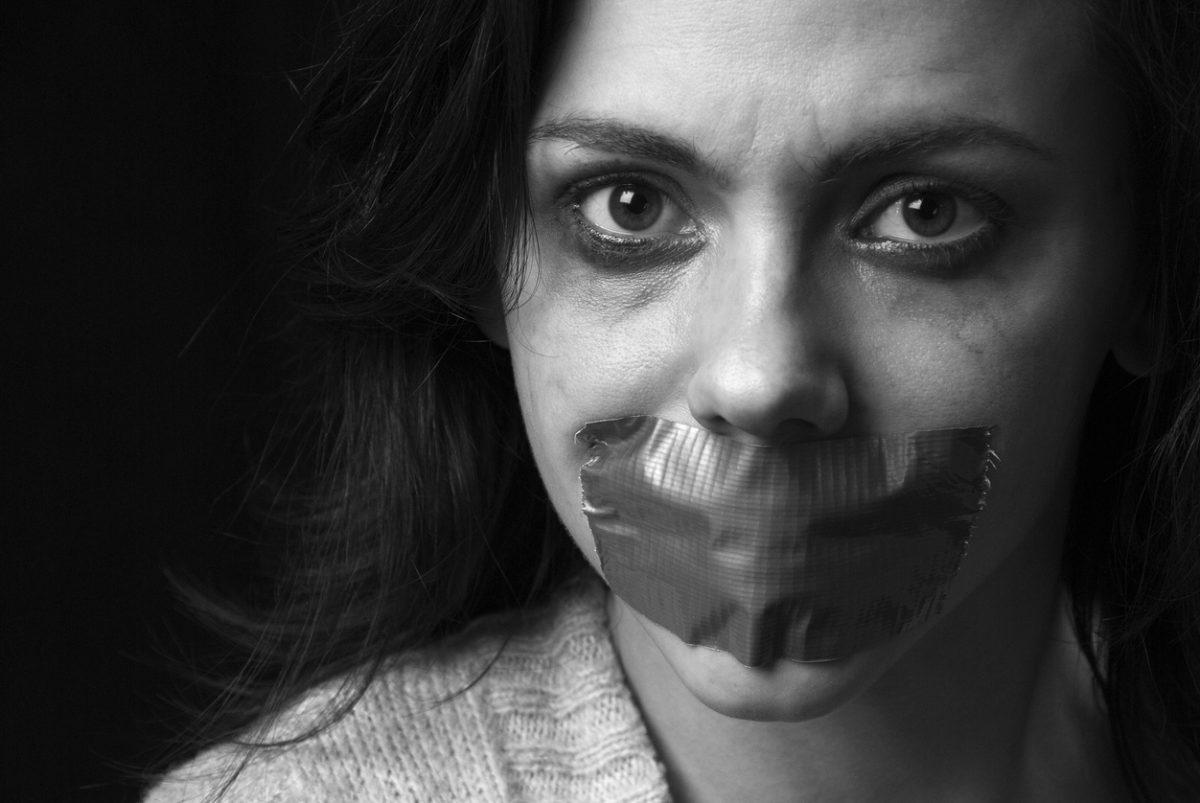 Frauen Opfer von Hass im Netz