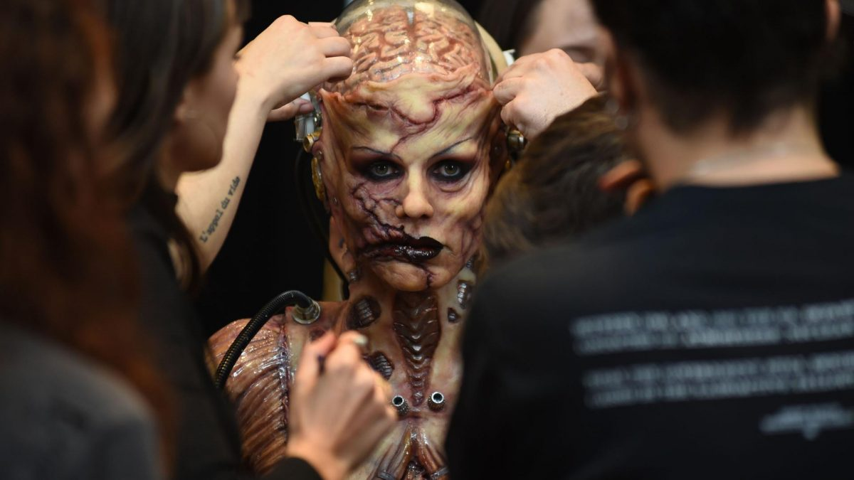 Heidi Klum als Horror Cyborg