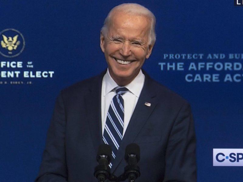 Joe Biden macht sich über Trump lustig