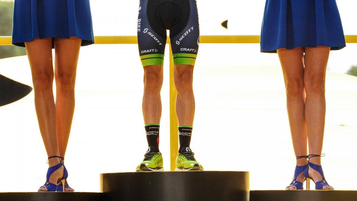 Männliche Hostessen bei der Tour de France