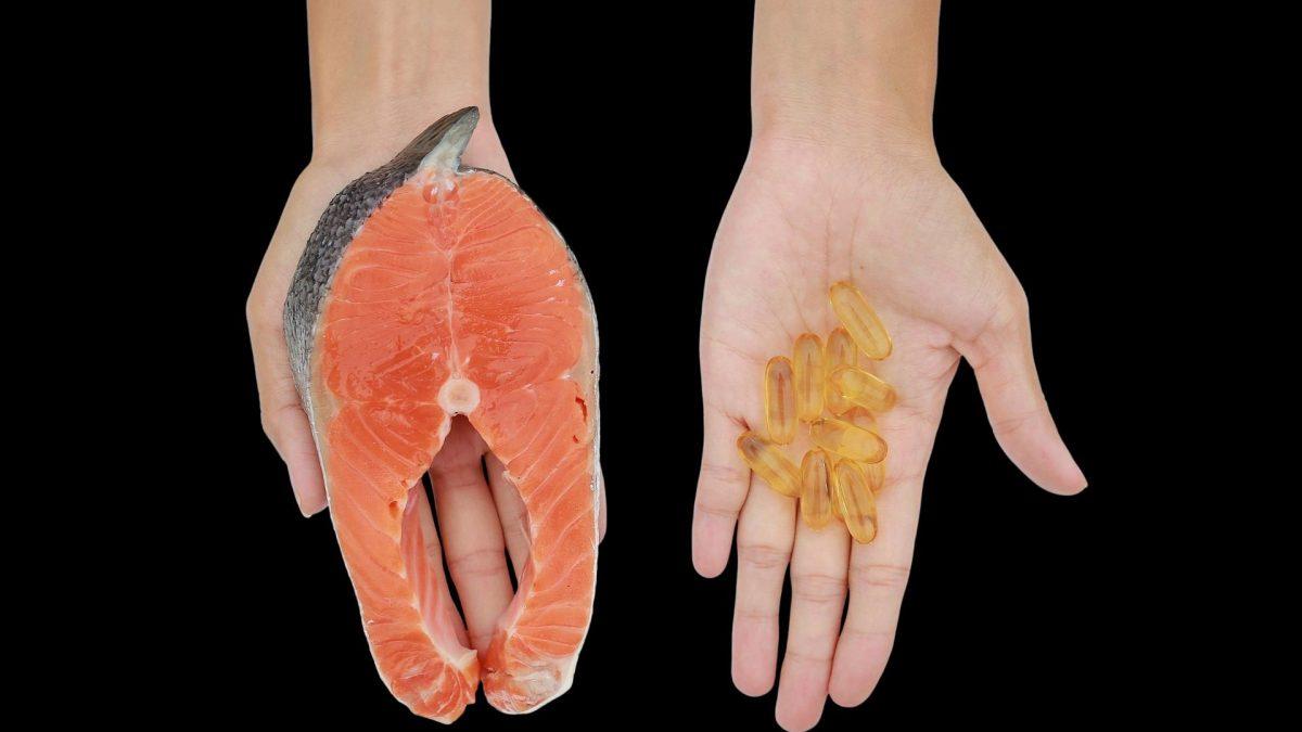 Omega-3-Fettsäuren finden sich vor allem in Fisch. Alternativ greifen viele zu Kapseln.