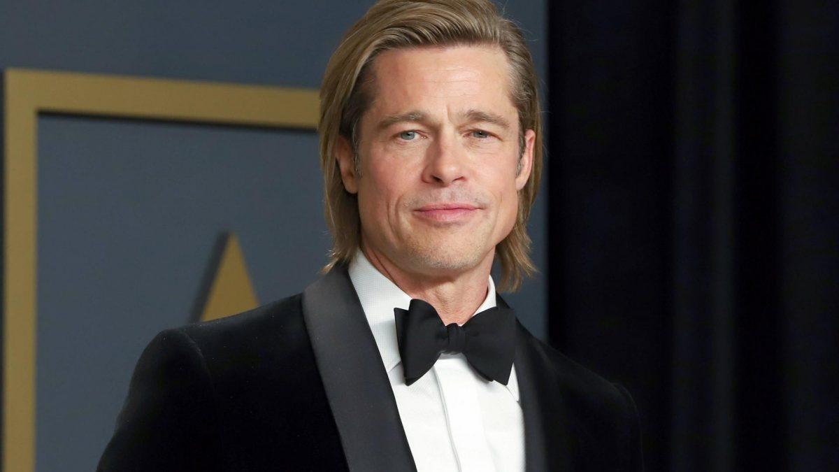 Schauspieler Brad Pitt in schwarzem Samtauszug