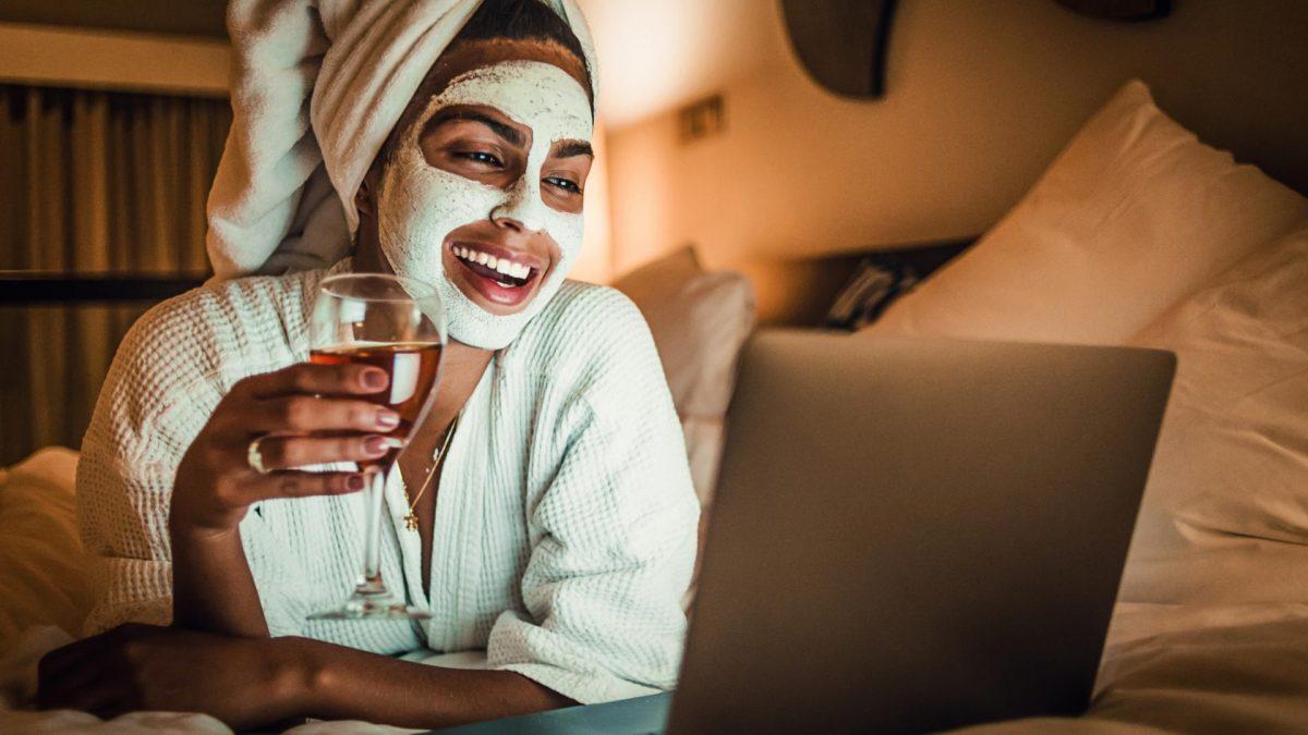 Trinken LAaption Maske Beauty Wein