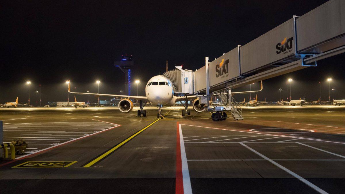 Verkehr Flughafen BER Eroeffnung Mit 9 Jahren Verspaetung wurde am 31. Oktober 2020 der Flughafen Berlin-Brandenburg BER