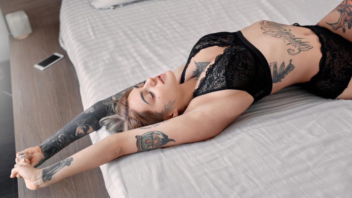 Yoga im Bett mit 5 Minuten am Morgen