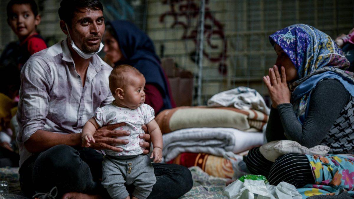 flüchtlinge moria straße baby papa