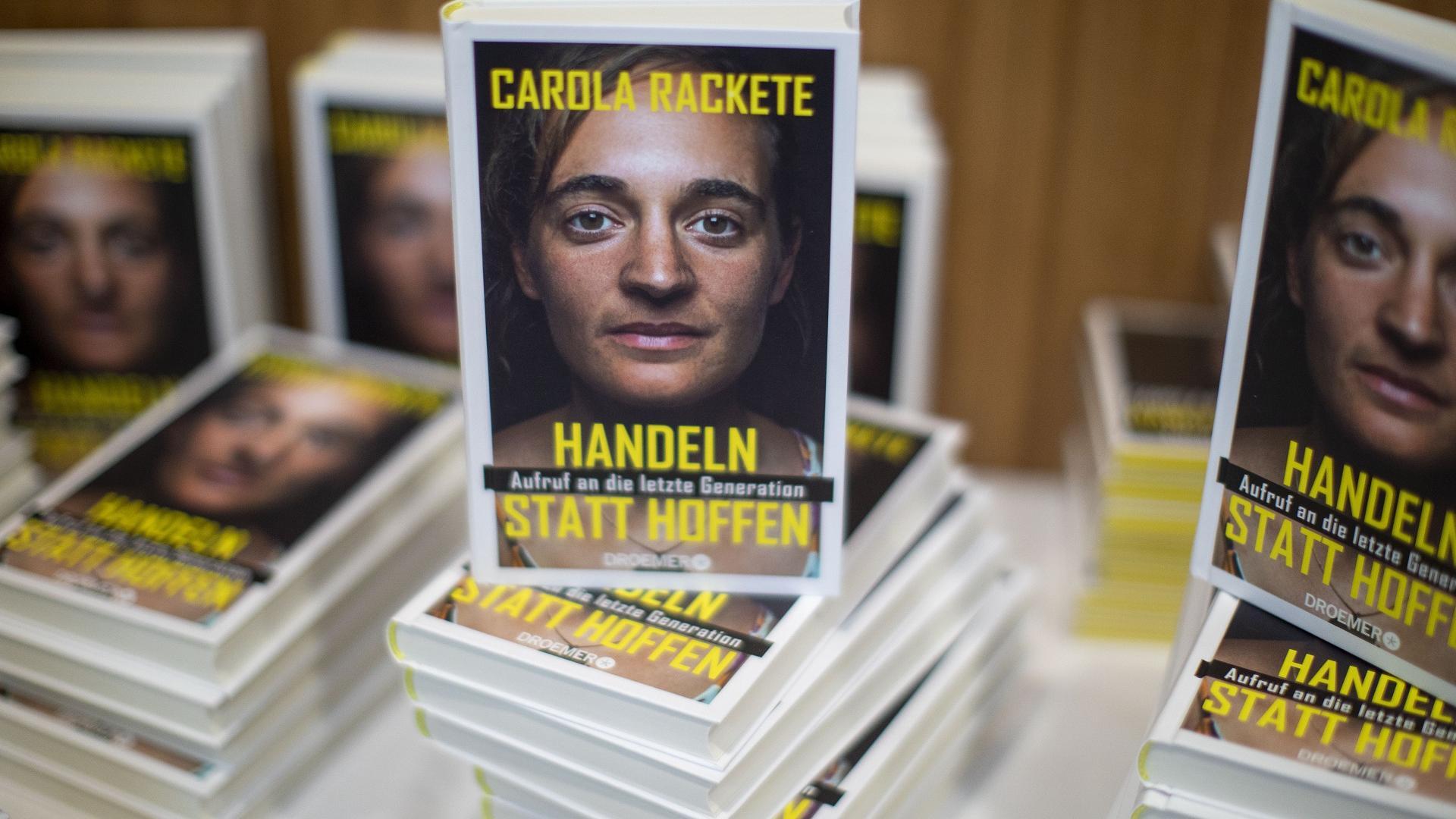 Carola Racketes erstes Buch