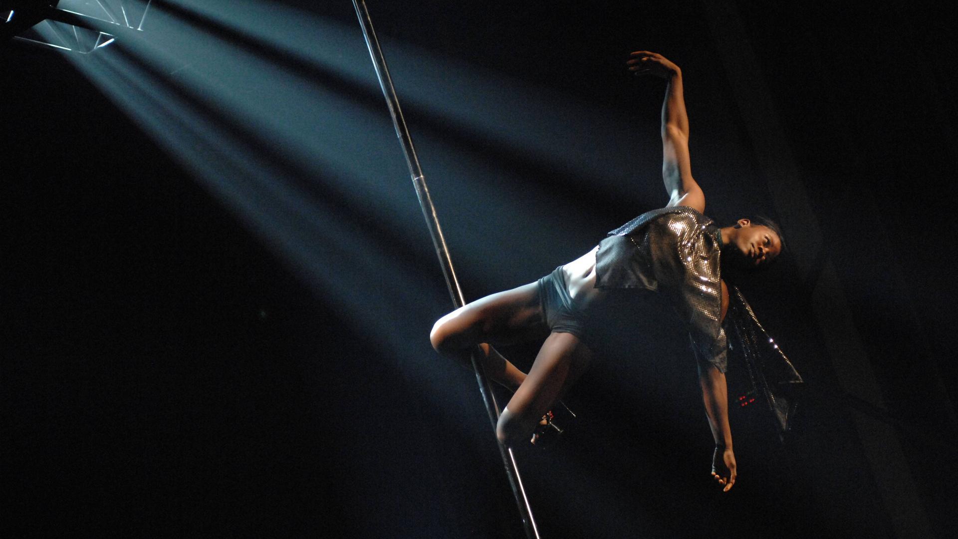 Pole-Dancerin auf einer Meisterschaft in Vancouver