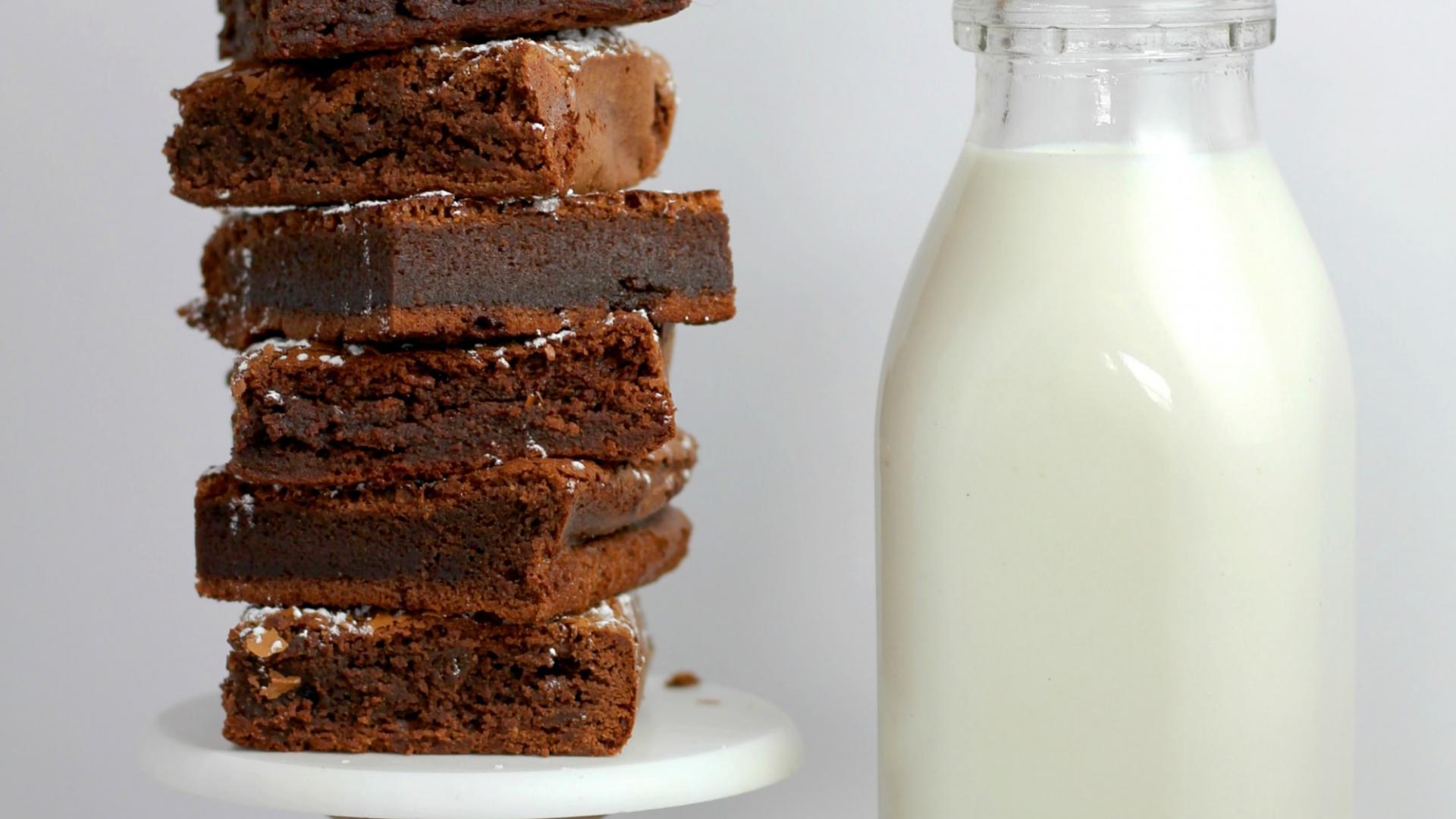 Brownies und Milch