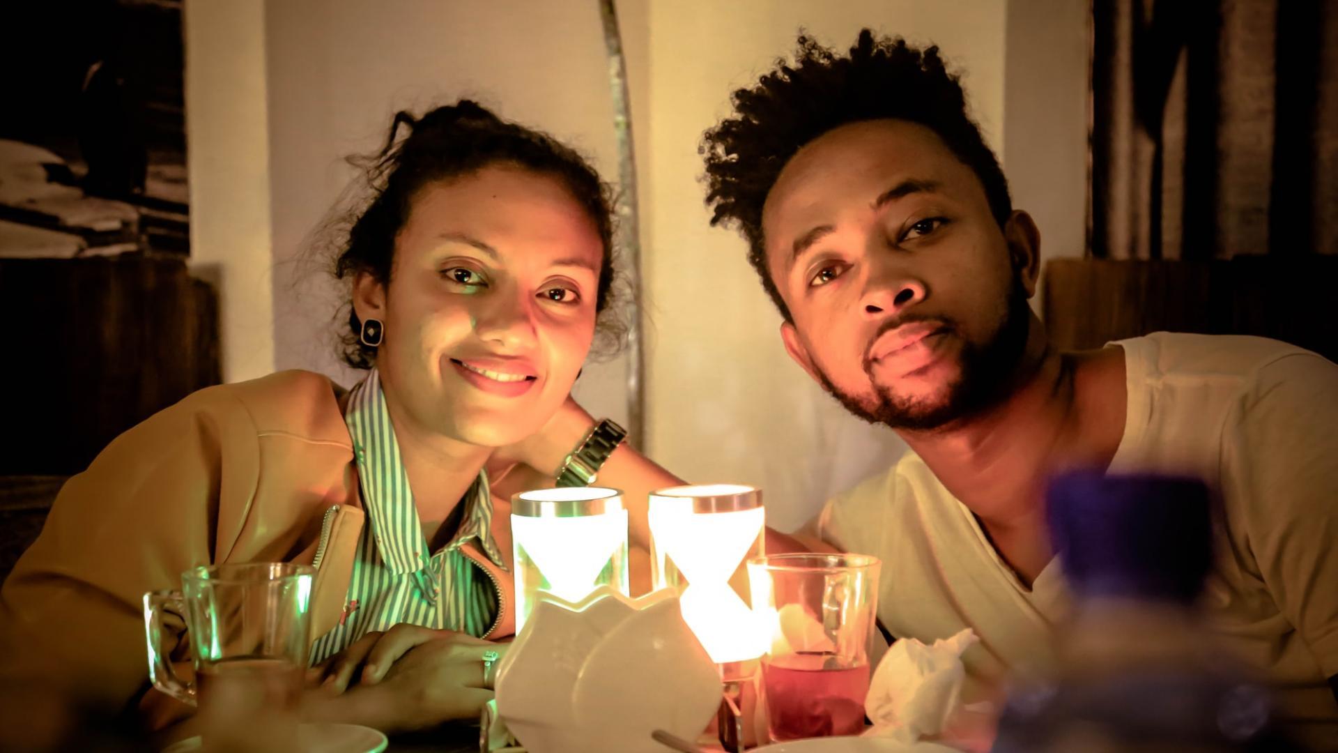 Paar beim Abendessen