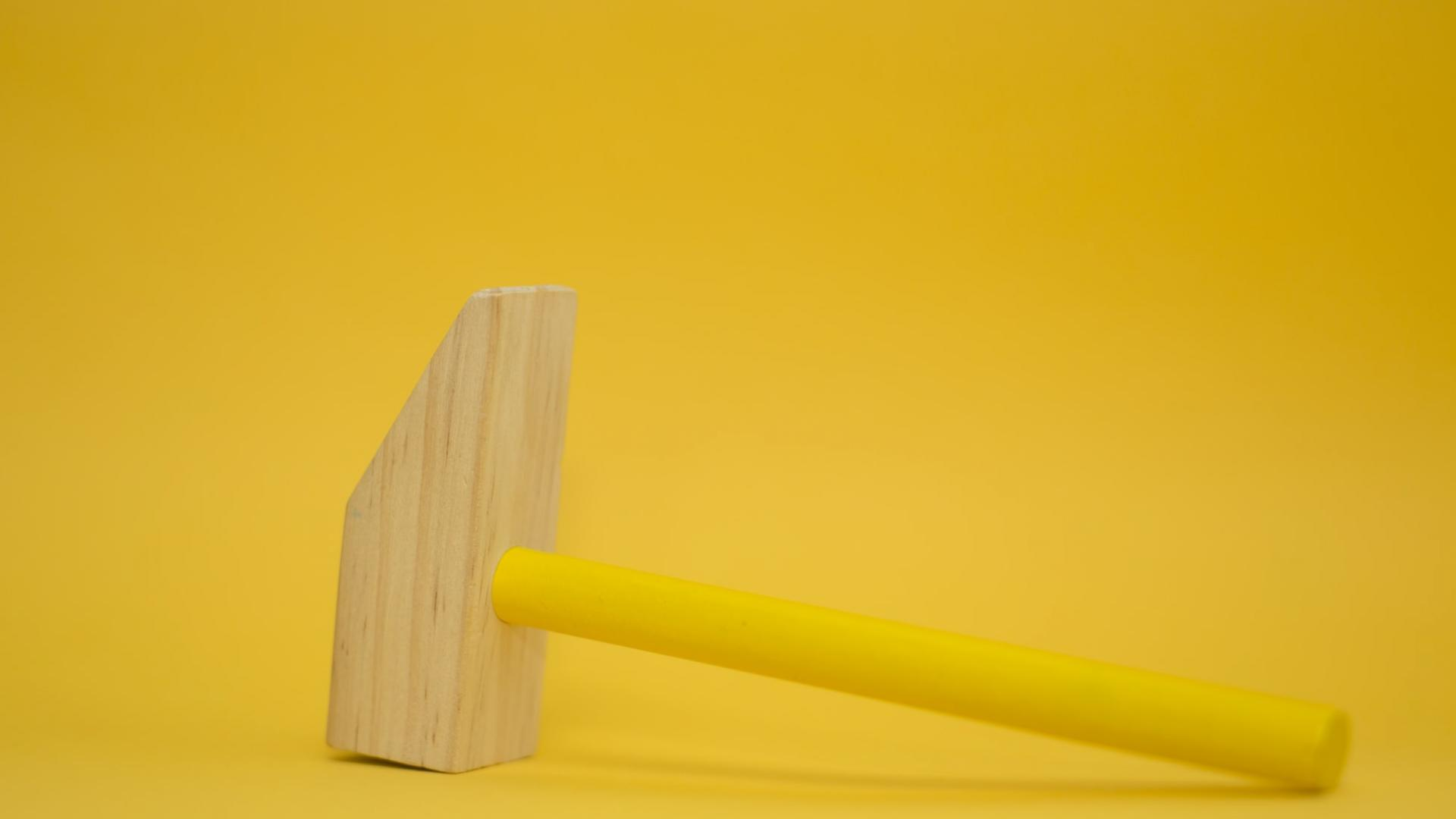Hammer gelb