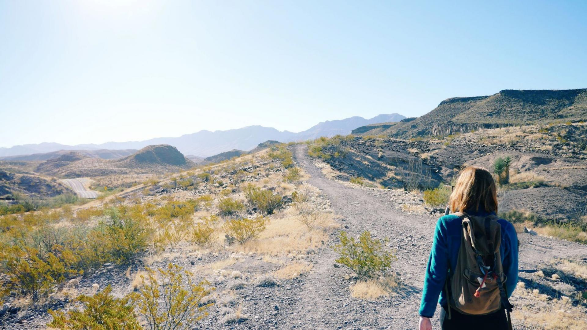 Frau wandern Natur