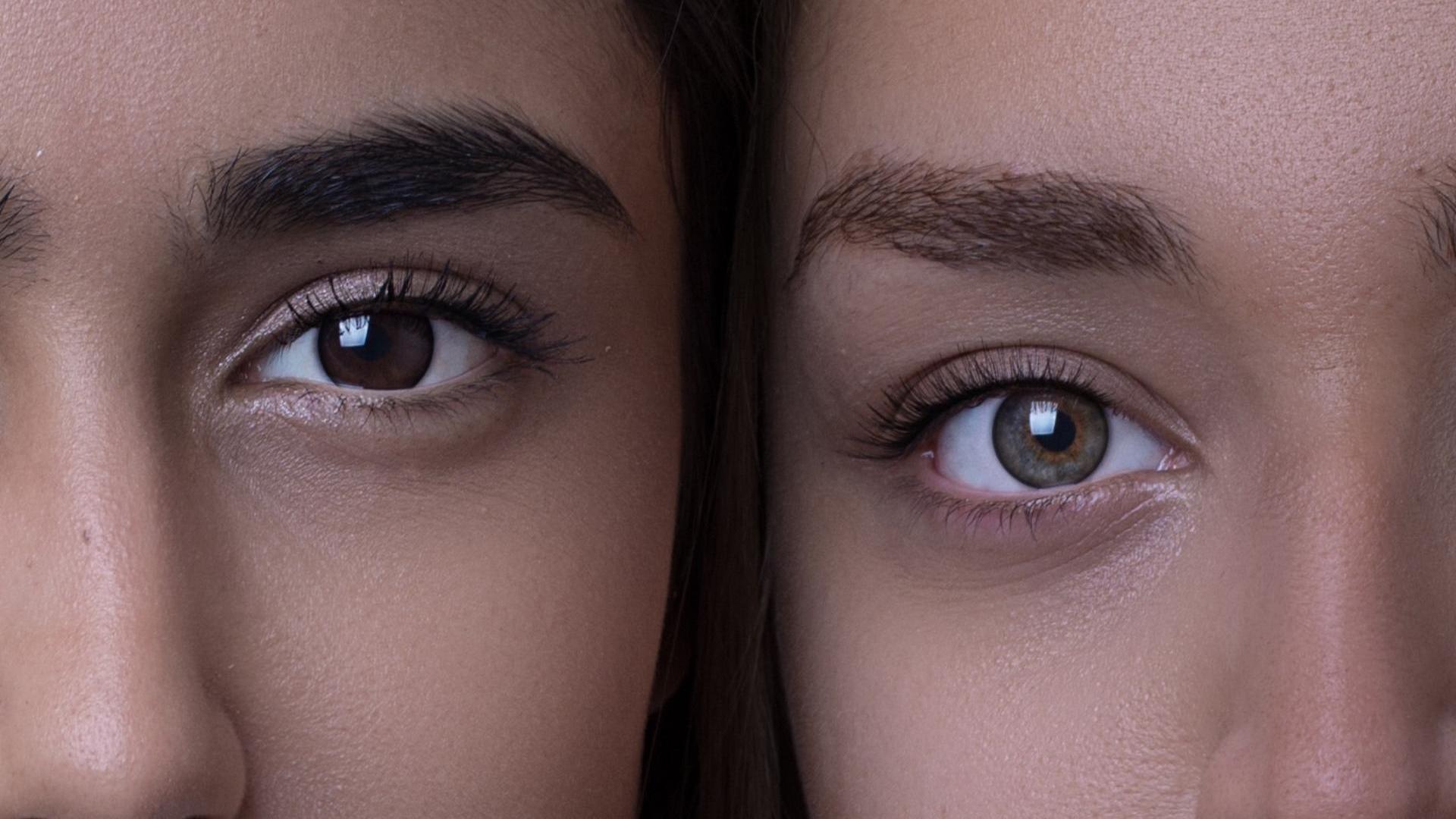 Zwei Frauen Gesichter
