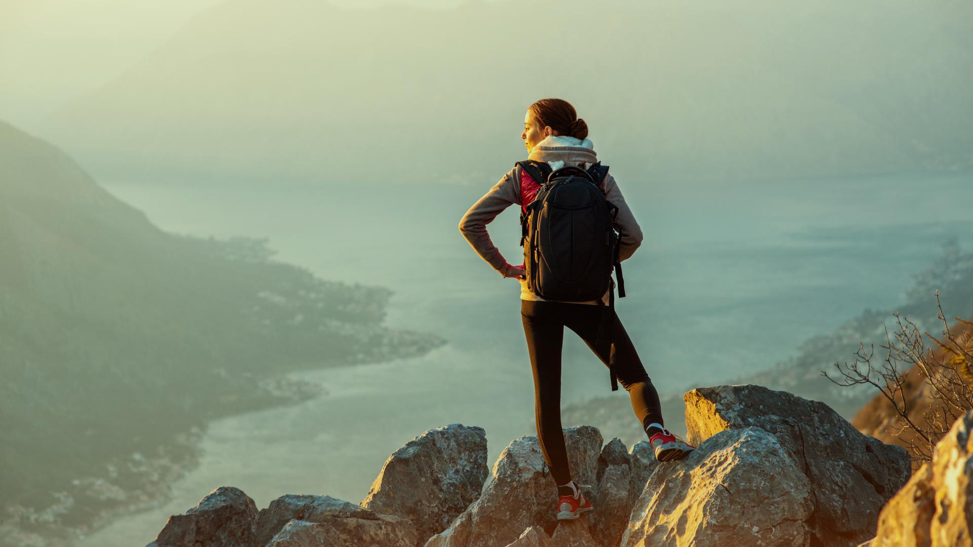 Frau auf Berg, Wanderin