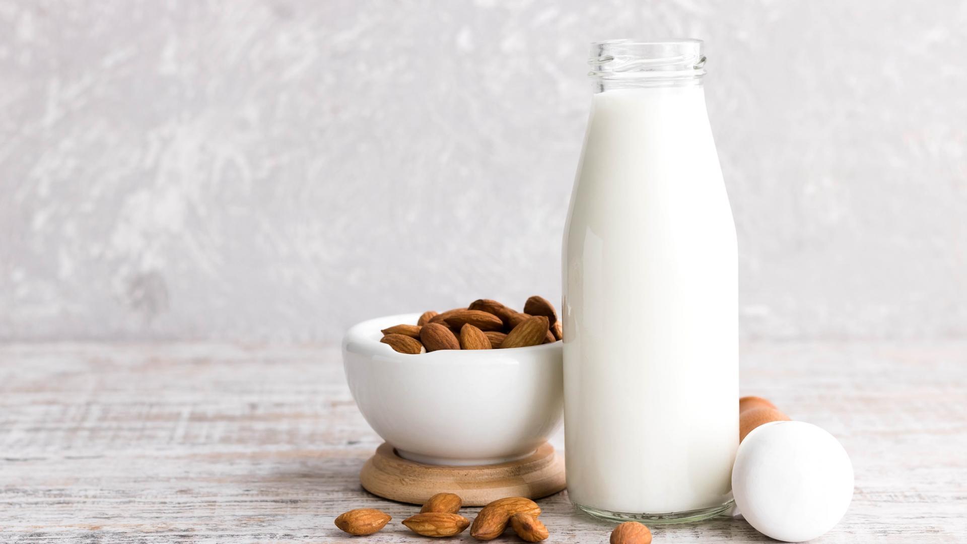 Almonds and almond milk