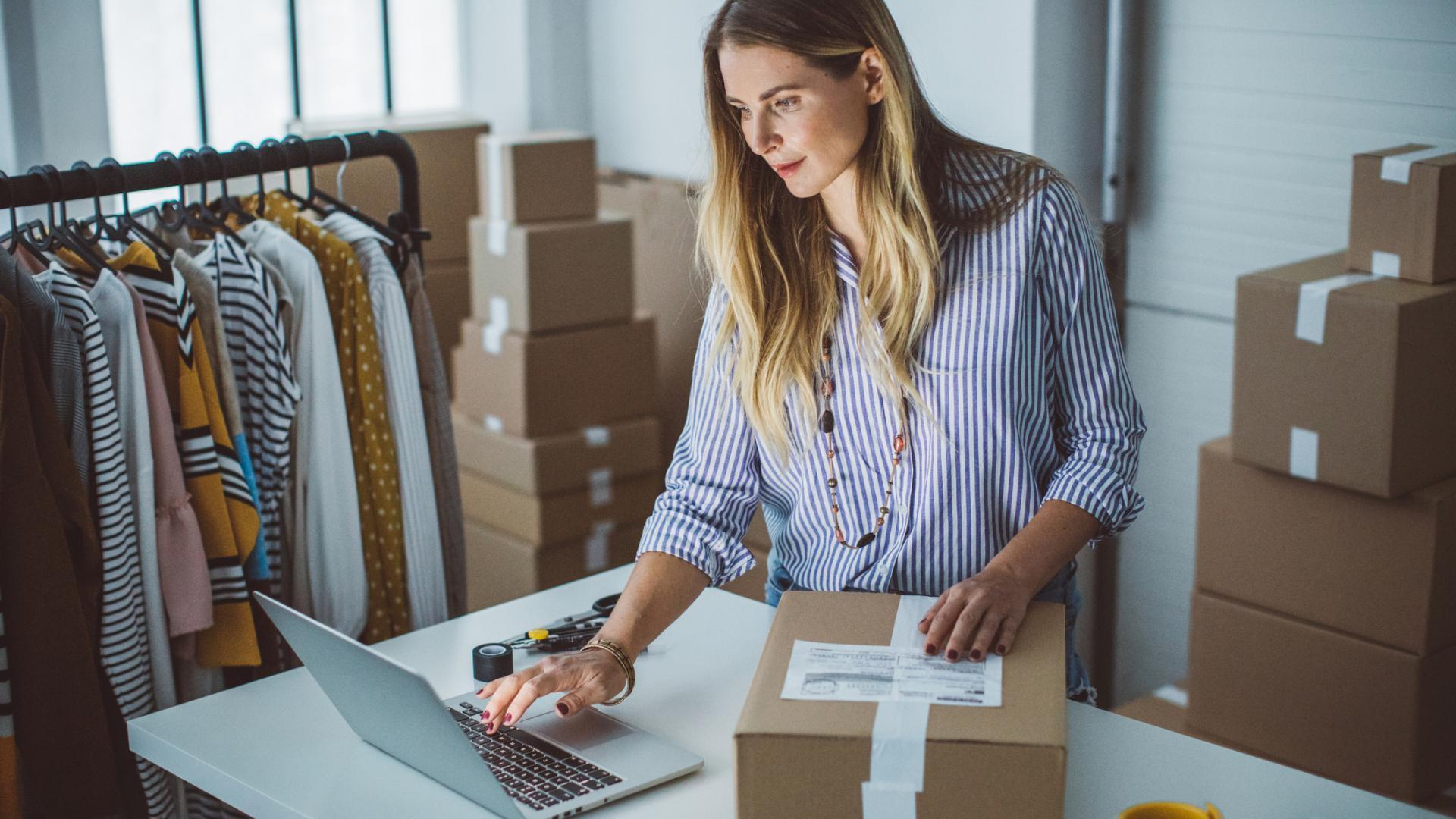 Online Handel Versand Fashion Verkauf Label Corona Shoppen