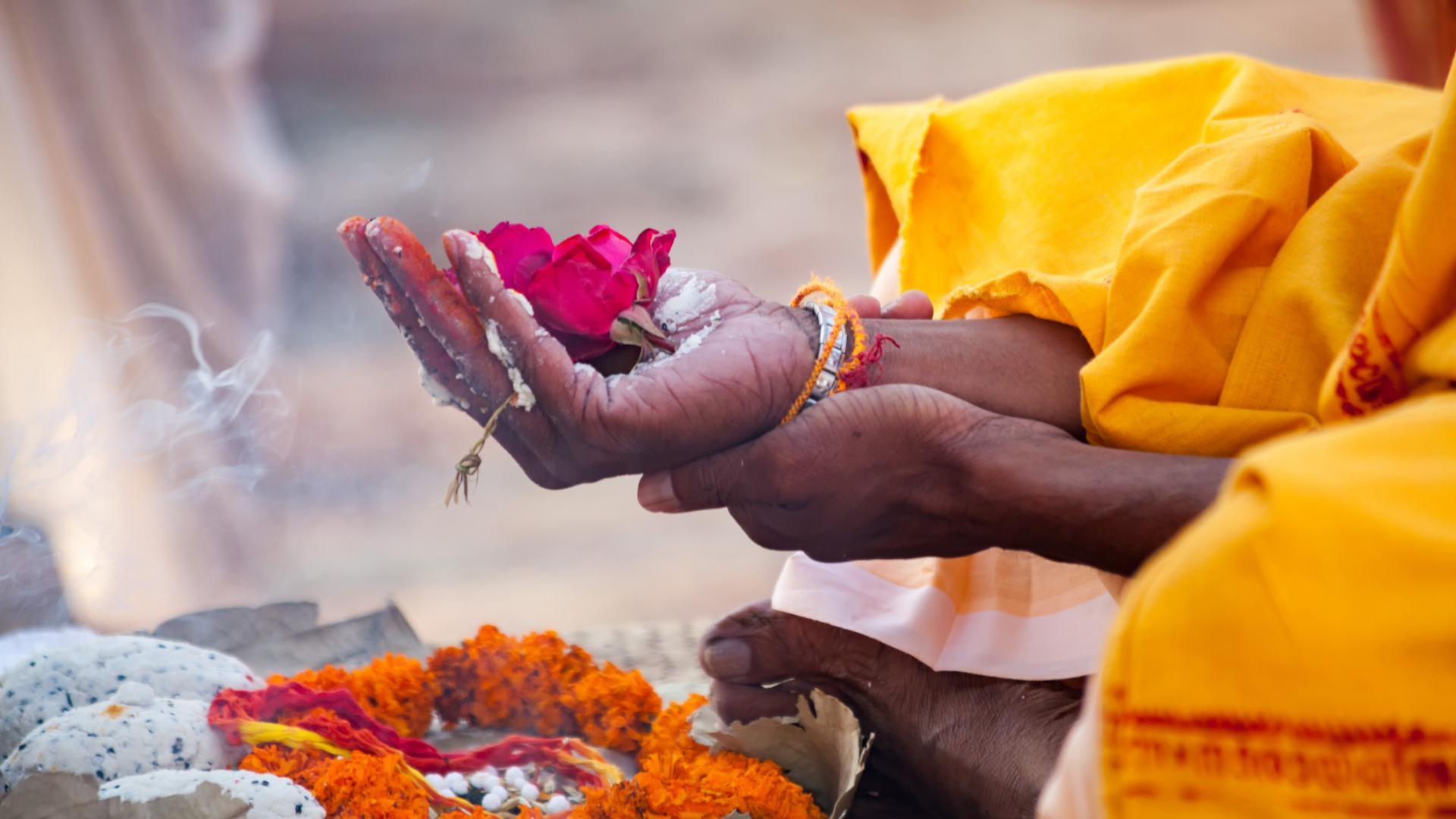 Indien Blume beten