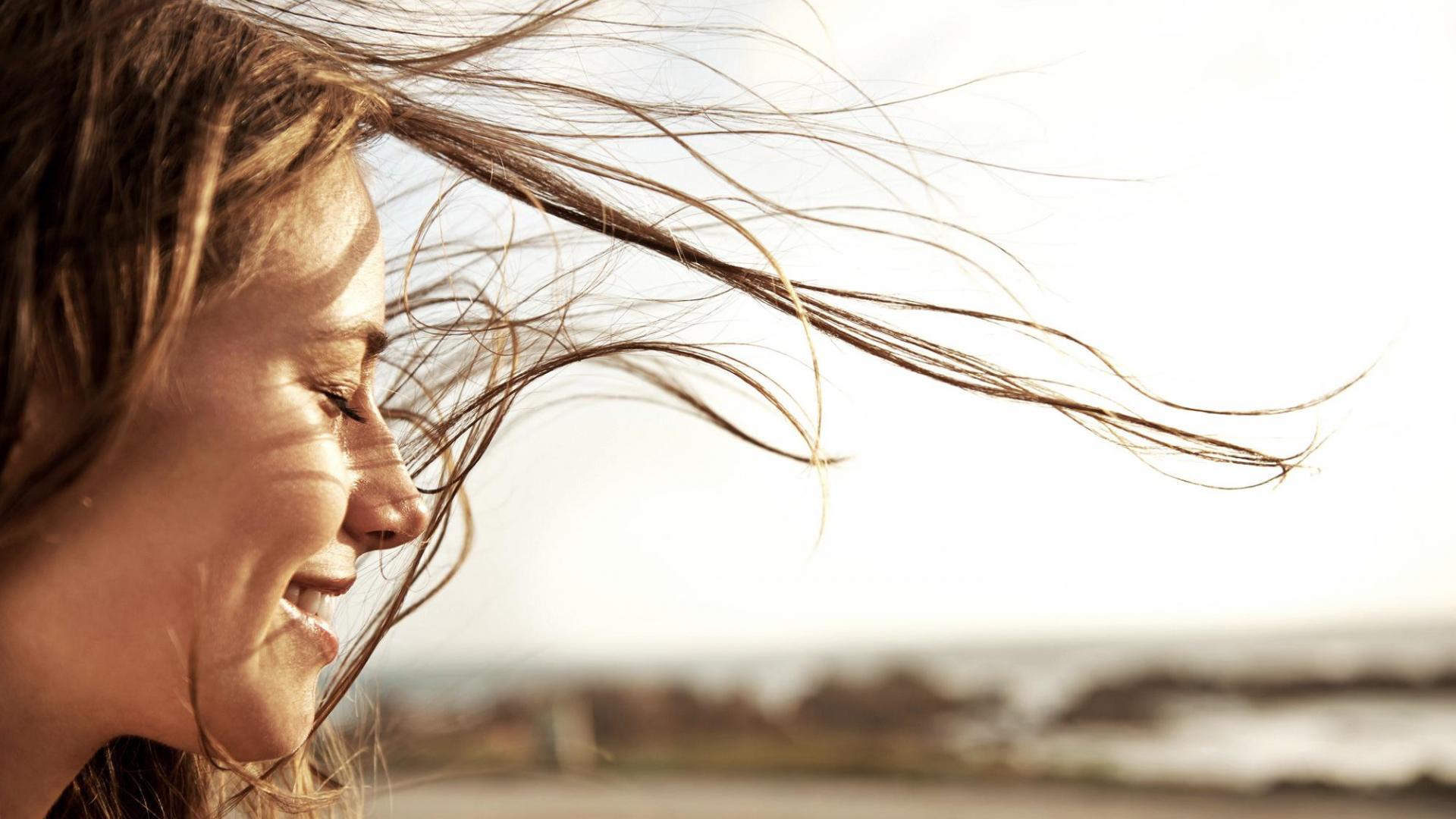 Frau Wind Haare