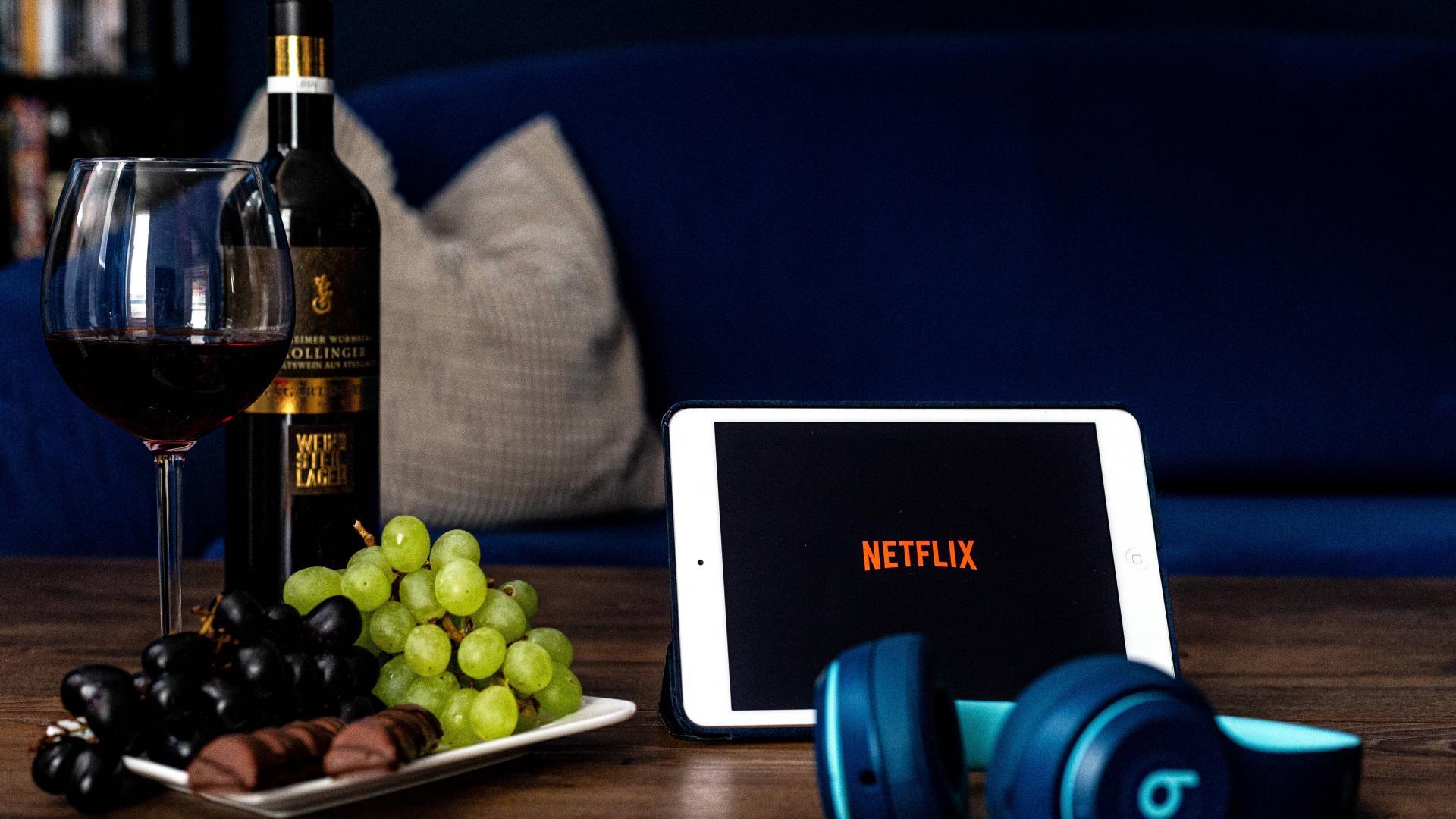 Wein Netflix Kopfhörer