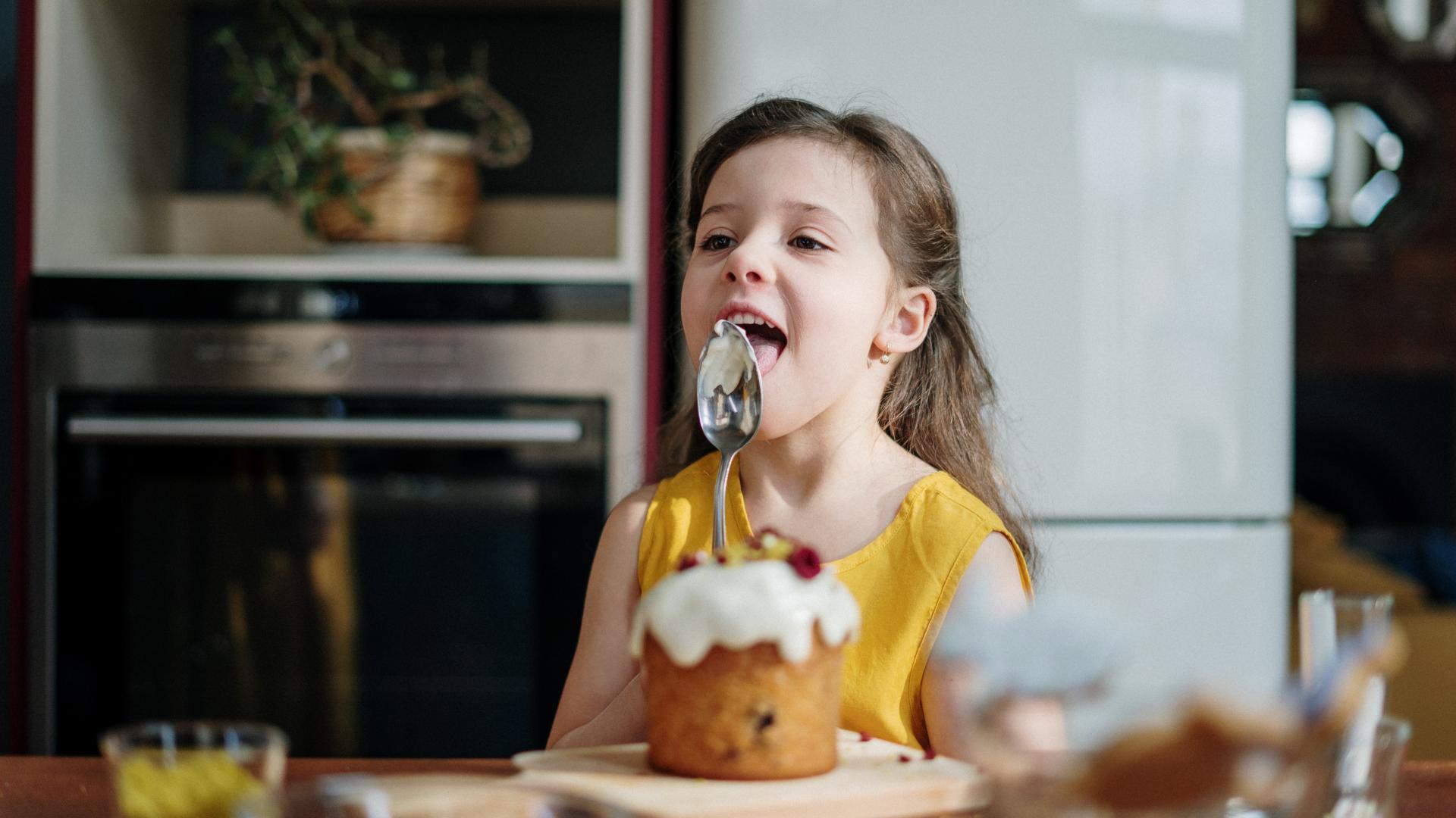 Kind Kuchen Löffel