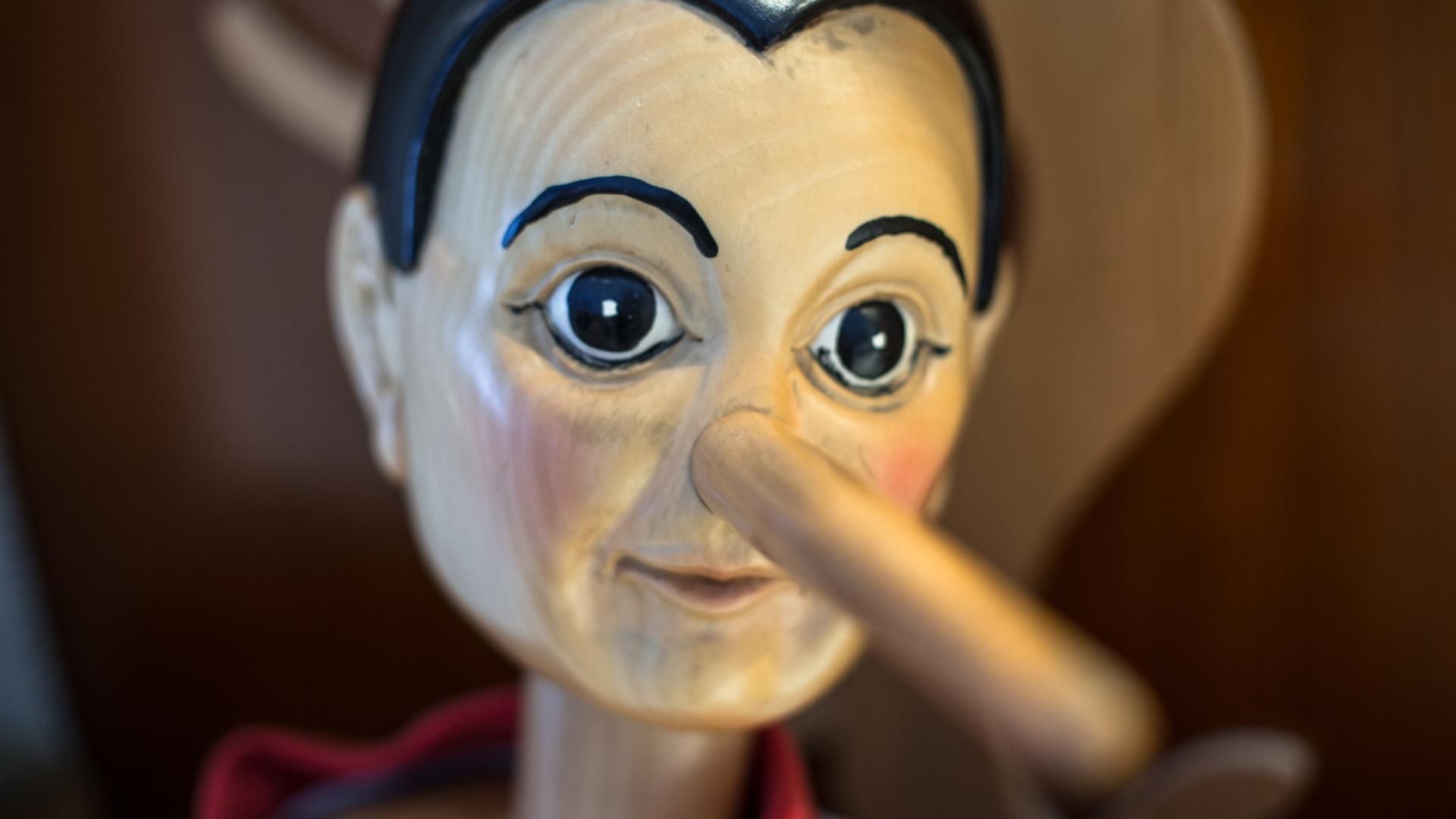 Pinocchio Puppe lüge unwahrheit