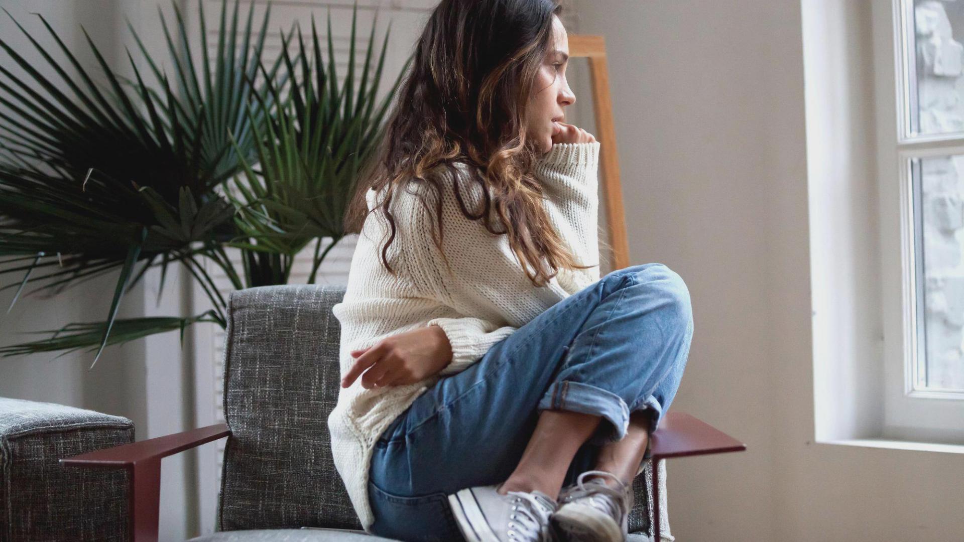 Frau Sitzen Büro Depressionen
